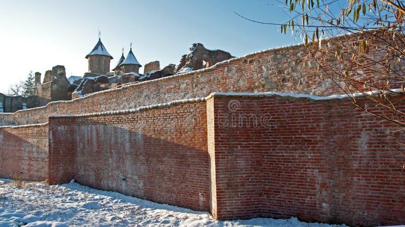 古老教会破坏墙壁 免版税库存照片