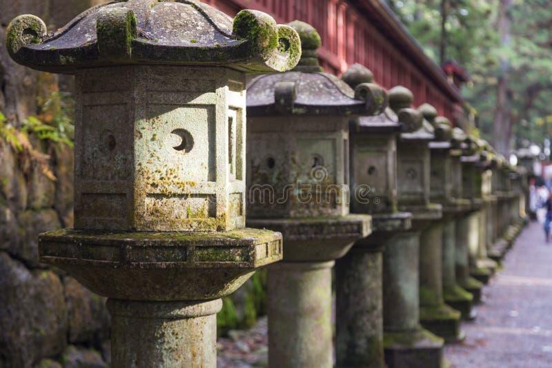 古老日本石灯笼 免版税库存图片