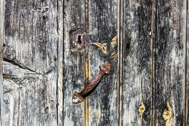 古老木门细节表面的样式 库存图片