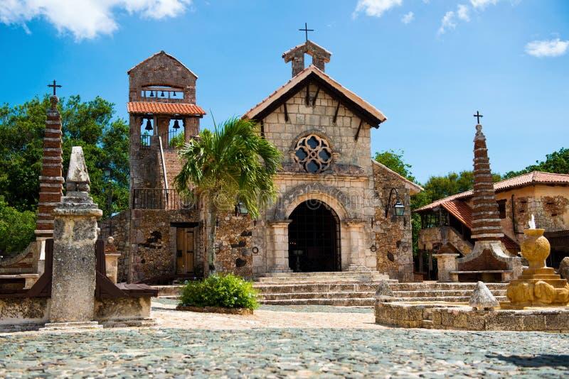 古老村庄Altos de Chavon -在多米尼加共和国重建的殖民地镇 Casa de Campo,拉罗马纳 图库摄影