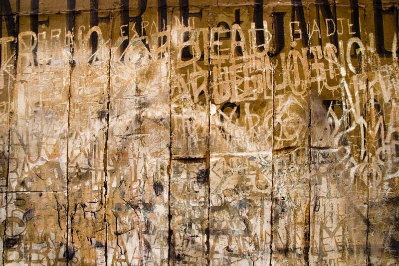 古老法国刻于墙上的文字 免版税库存照片