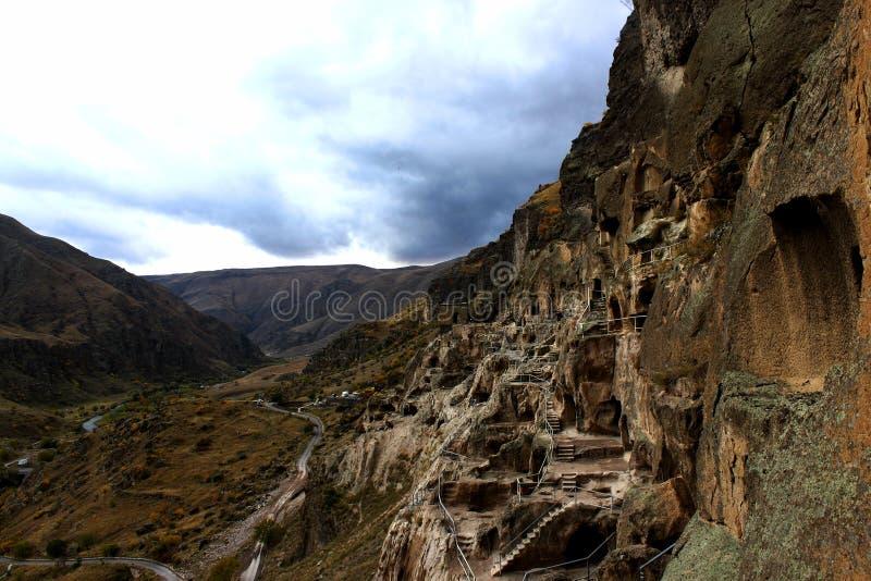 古老洞修道院Vardzia在以谷为目的乔治亚 库存图片