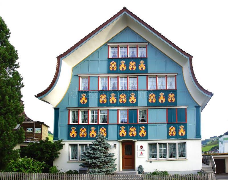 古老独特的五颜六色的房子在历史的中世纪老镇 阿彭策尔为它有被绘的门面的五颜六色的房子是知名的 库存图片