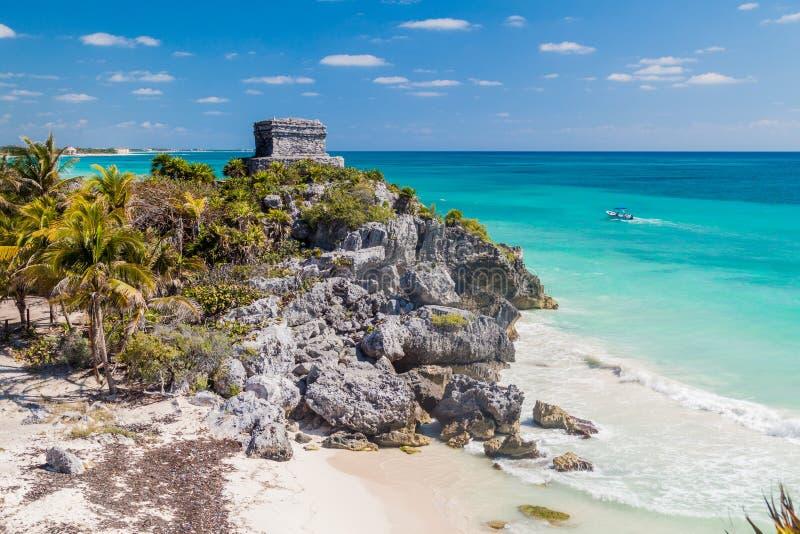 古老玛雅人城市Tulum和加勒比海,Mexi的废墟 免版税库存图片