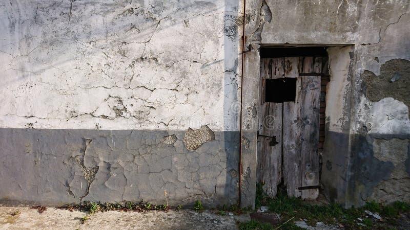 古老石大厦 免版税图库摄影