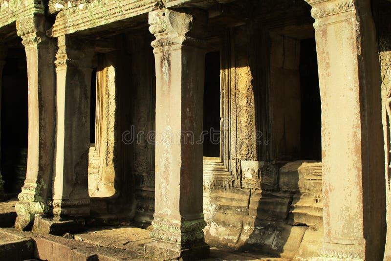 古老窗口和柱子 库存照片