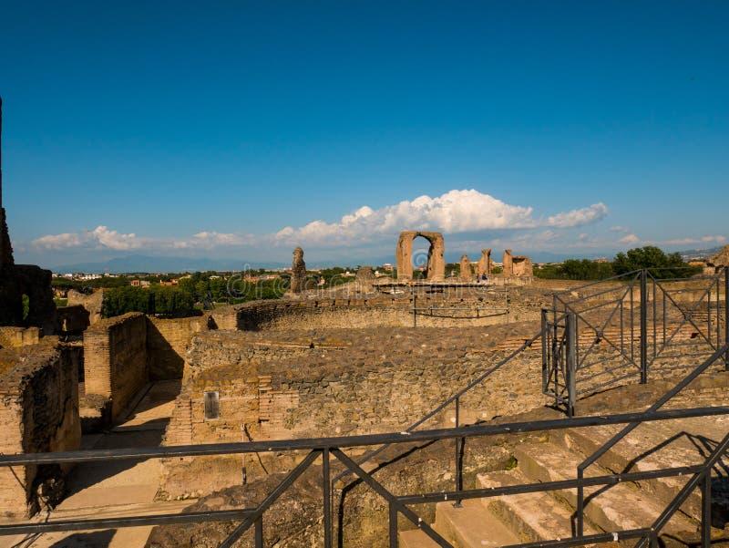 古老罗马别墅,意大利废墟片断  免版税库存照片