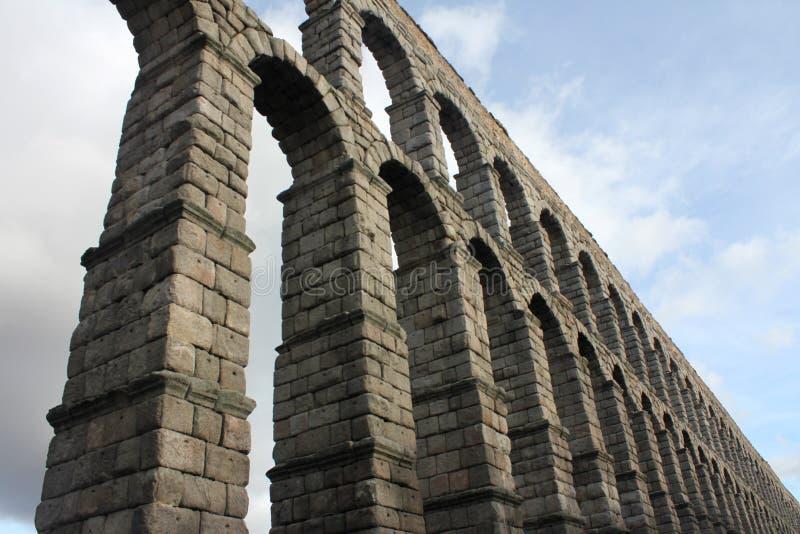 古老罗马渡槽在塞戈维亚,西班牙 免版税库存照片