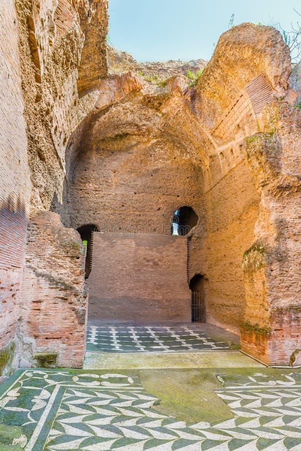 古老罗马浴废墟的脱下衣服的屋子Caracalla (Thermae Antoninianae) 免版税库存图片