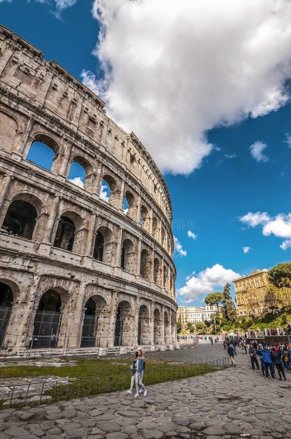 古老罗马Colloseum的外视图在罗马 免版税库存照片