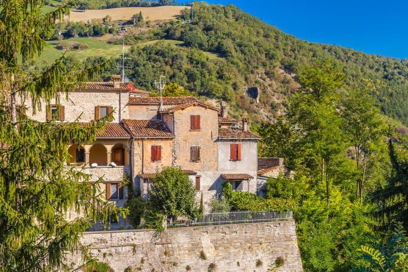 古老被加强的垒的被栖息的房子 免版税库存照片