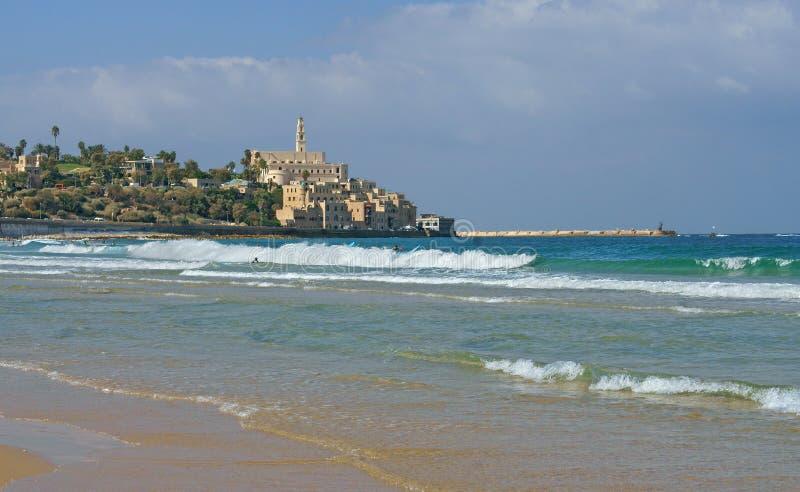 古老贾法角,耶路撒冷旧城Tel Aviv-Yafo 阿尔马海滩看法在查尔斯Clore公园 特拉唯夫 免版税库存图片