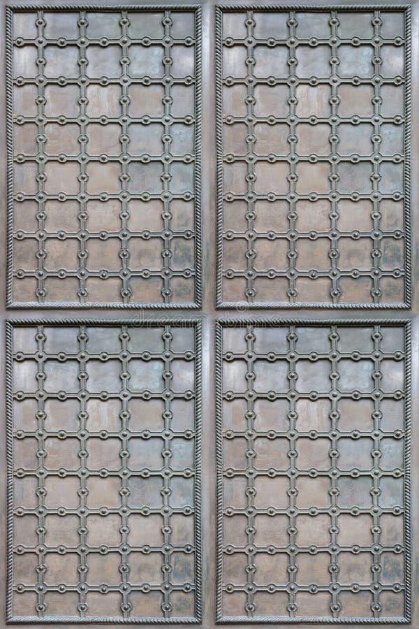 古老铁门纹理有装饰元素的 免版税图库摄影