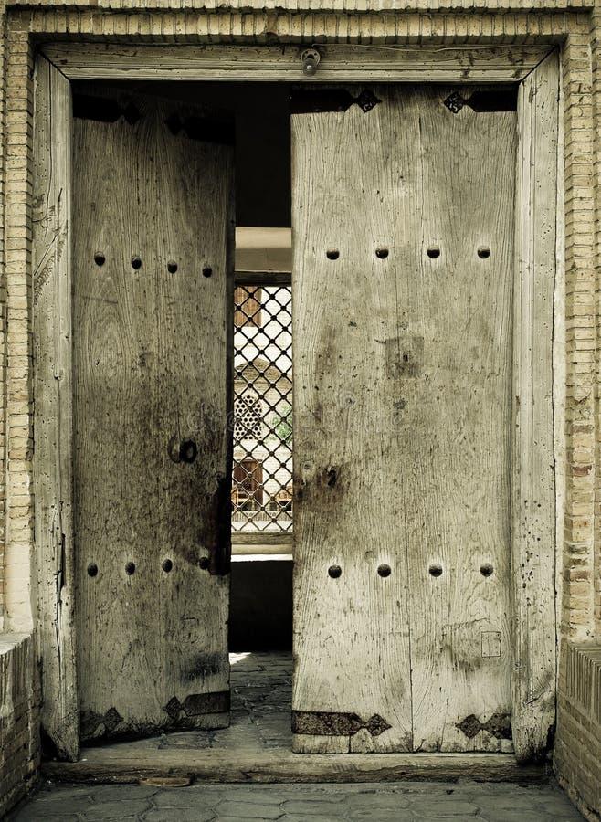 古老门的特写镜头图象 免版税库存图片
