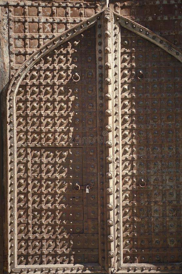 古老门 免版税库存图片