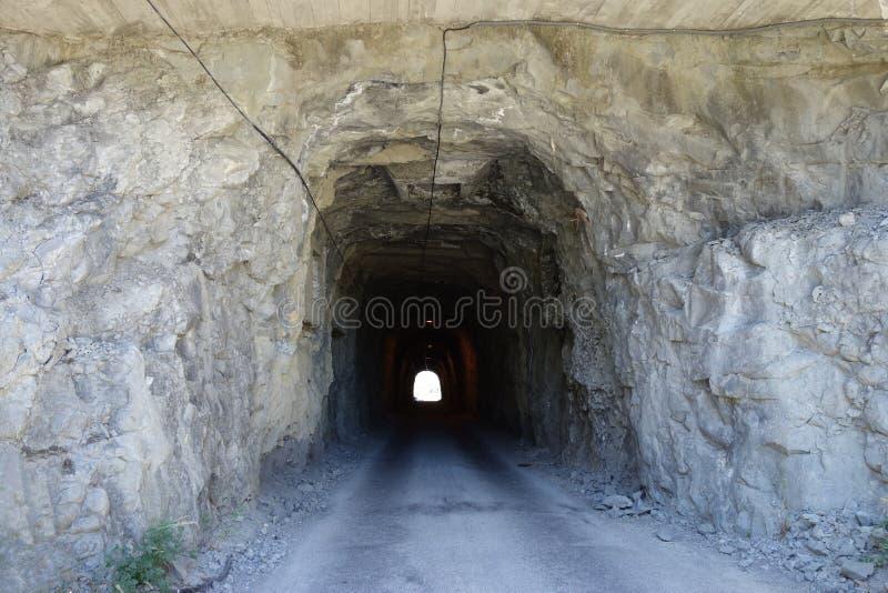 古老隧道在Sabinanigo镇,西班牙 免版税库存照片