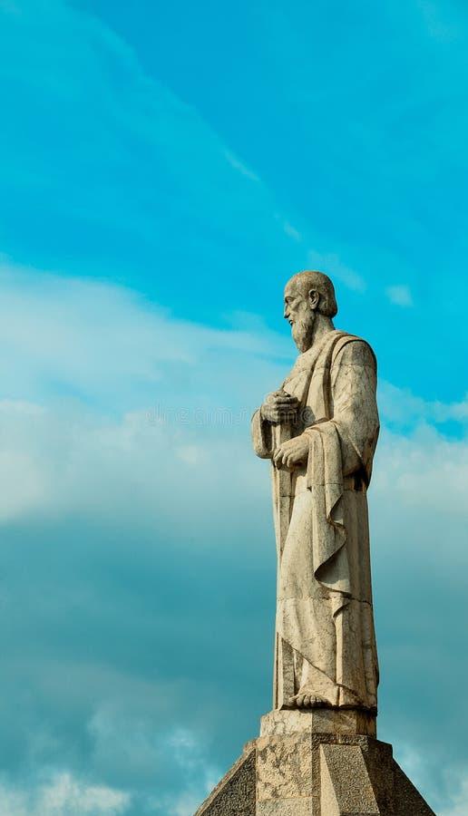 古老雕塑 耶稣Tibidabo的耶稣圣心的寺庙 图库摄影