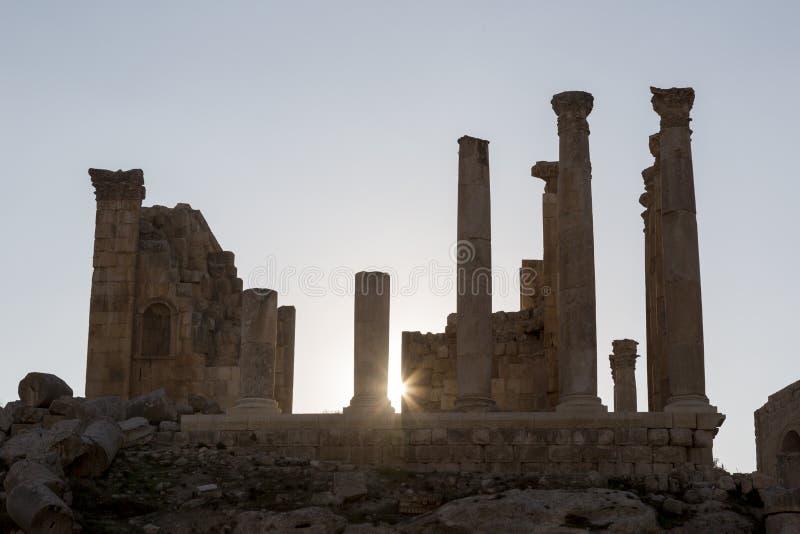 古老Artemis寺庙的废墟在杰拉什,北部约旦 免版税库存图片
