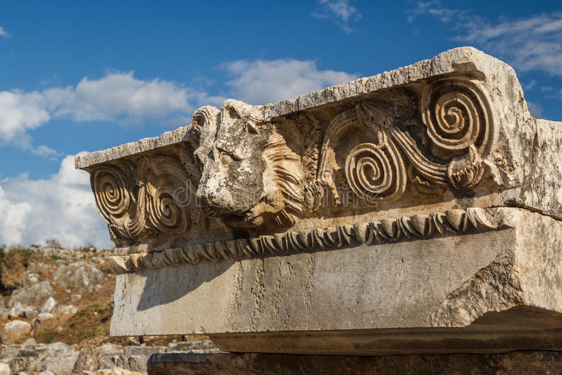 古老Lycian市Letoon的废墟 免版税库存图片