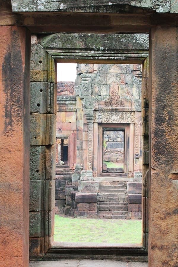 Download 古老pimai寺庙泰国 库存图片. 图片 包括有 门道入口, 聚会所, 有历史, 安哥拉猫, 艺术, 高棉 - 22359117