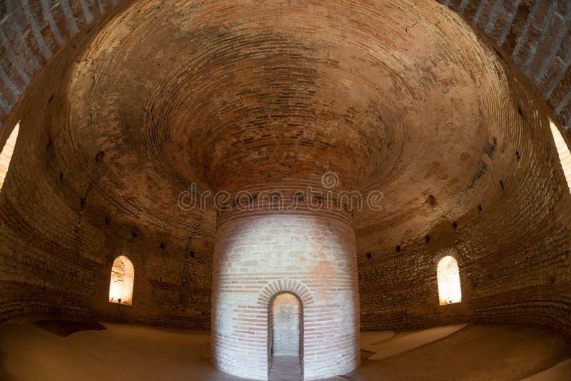 古老Thracian坟茔Heroon 免版税图库摄影