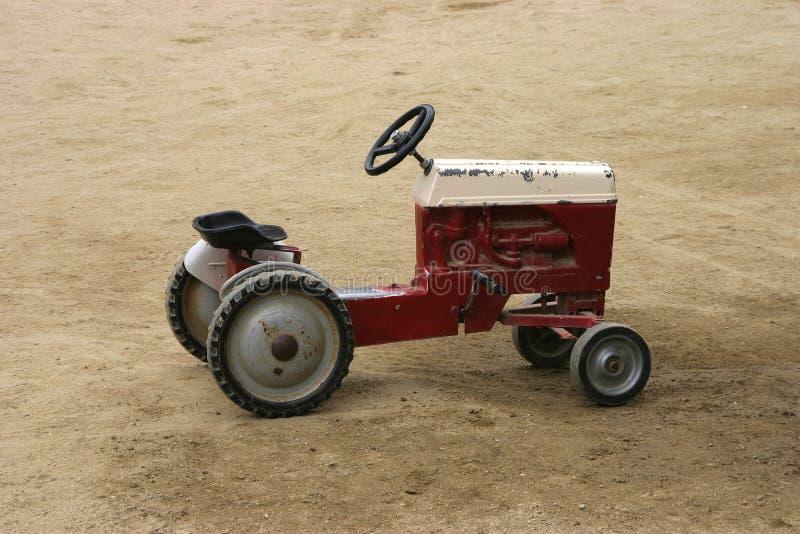 古色古香的作用拖拉机 库存图片