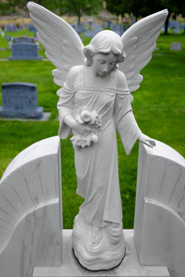 古色古香的天使雕象 免版税库存照片