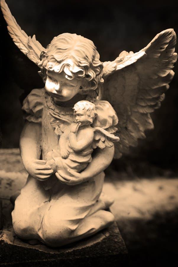 古色古香的天使雕象 库存照片