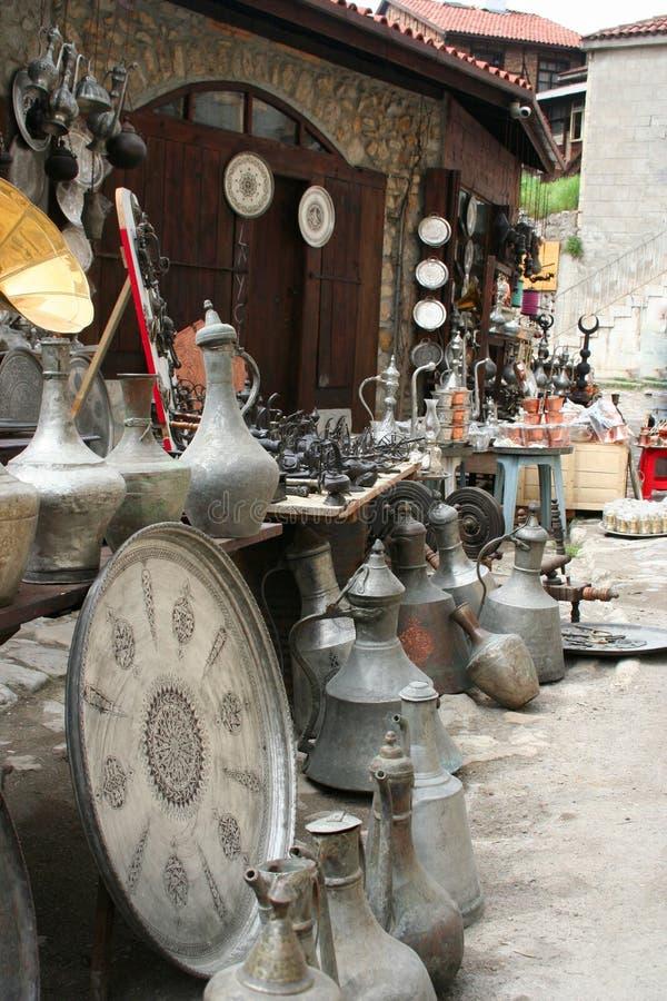 Download 古色古香的对象在界面 库存图片. 图片 包括有 装饰品, 界面, 厨具, 金属, 文化, 对象, 装饰, 反气旋 - 22358999