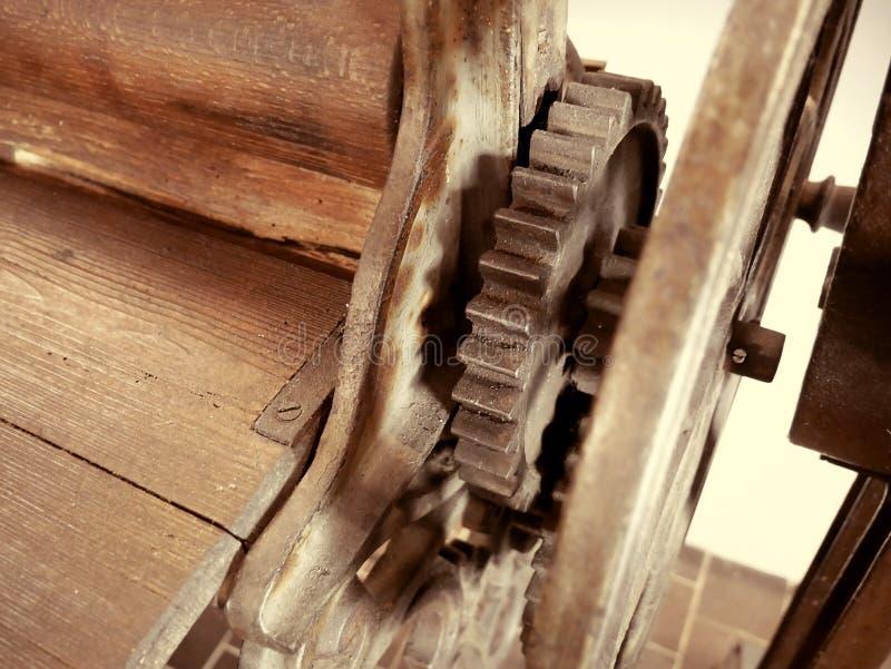 古色古香的干衣机 老机械详述特写镜头 免版税图库摄影