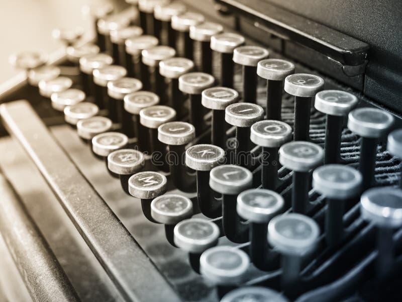 古色古香的打字机葡萄酒对象背景 图库摄影