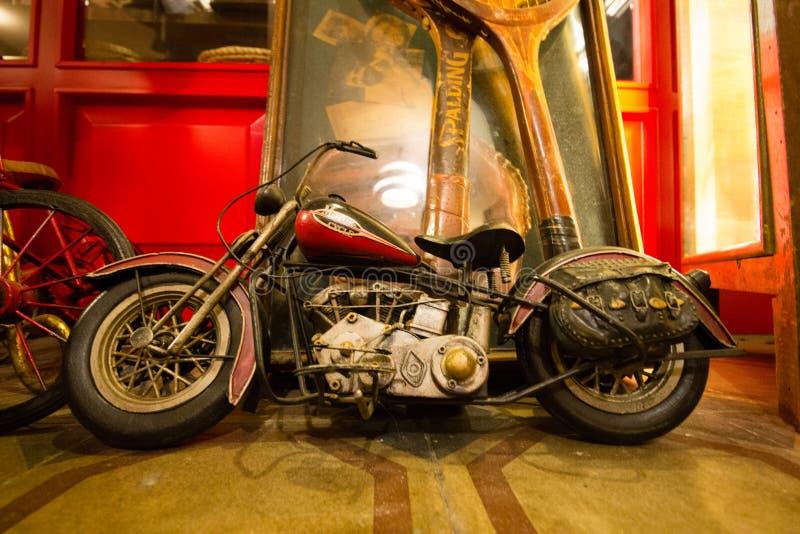 古色古香的摩托车形象,老玩具收藏 免版税图库摄影