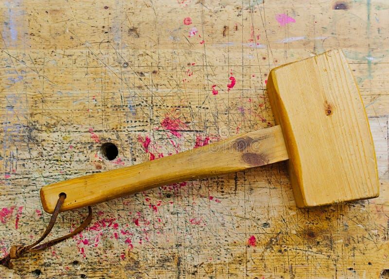古色古香的木材加工木短槌 库存图片