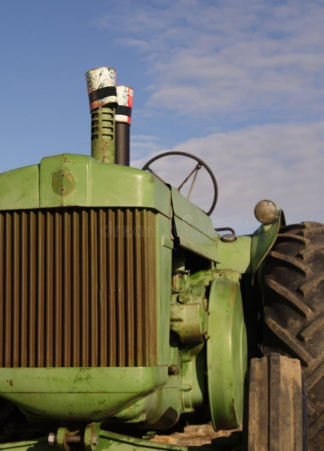 古色古香的柴油拖拉机 免版税图库摄影