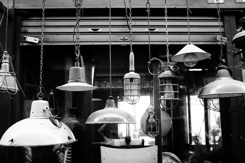 古色古香的灯的图象在市场上 库存照片