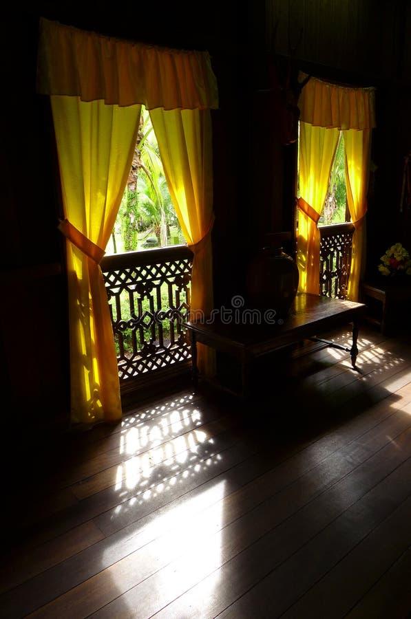 古色古香的种族马来的房子内部  图库摄影