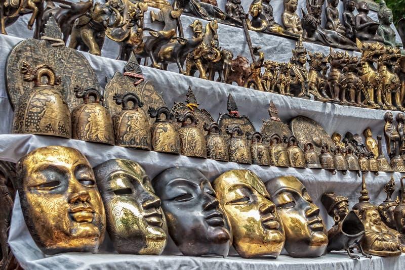 古色古香的纪念品待售在曼德勒,缅甸 免版税库存照片