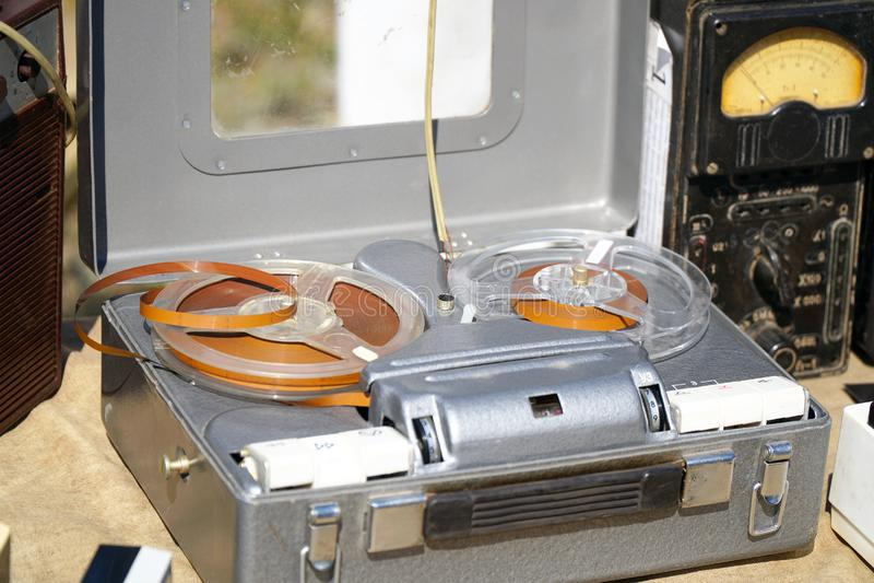 古色古香的葡萄酒开盘式的录音机 库存图片