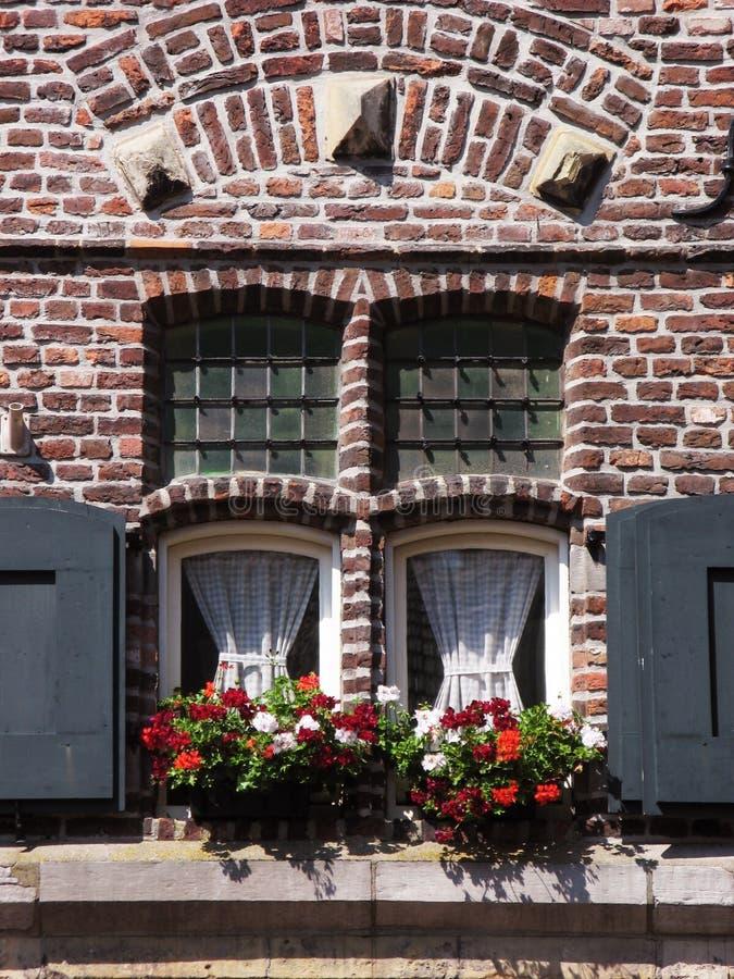 古色古香的视窗 免版税库存照片