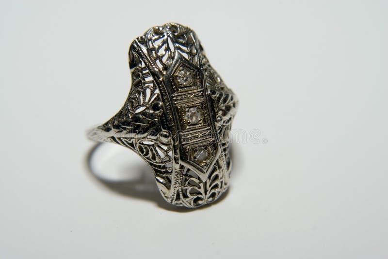 古色古香的金银细丝工的环形 免版税库存照片