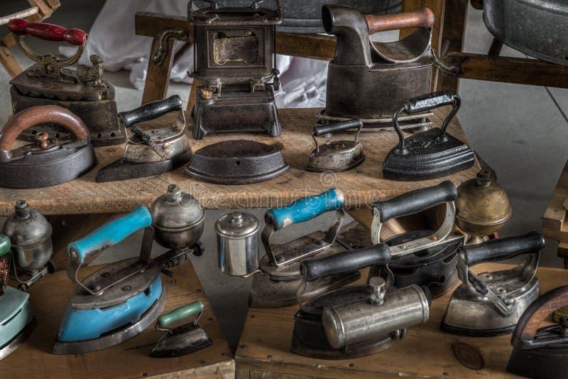 古色古香的铁显示-蒸汽和铁 免版税库存图片