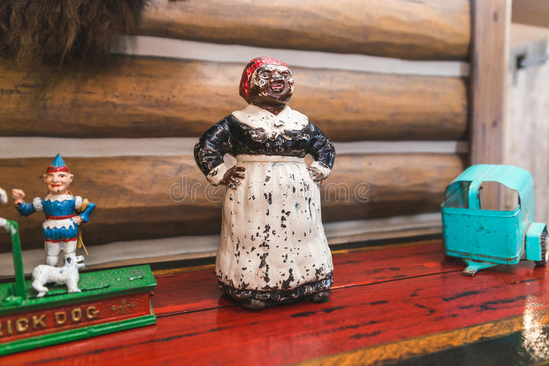 古色古香的非裔美国人的小雕象 免版税图库摄影