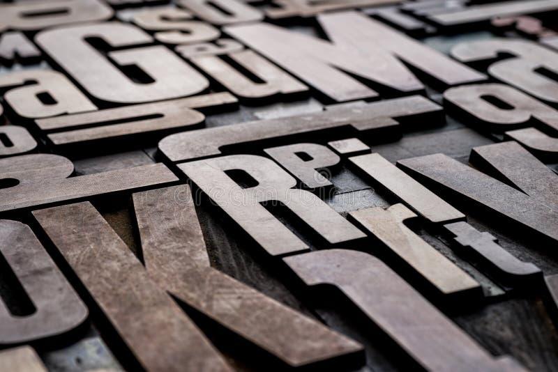 古色古香的活版木类型打印块 免版税库存照片