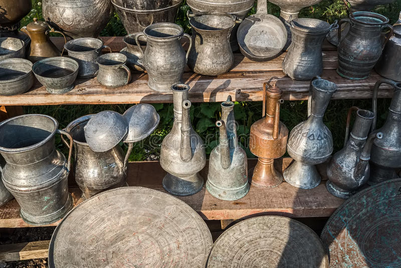 古色古香的水罐和盘 免版税库存图片