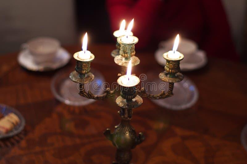 古色古香的黄铜烛台 库存照片