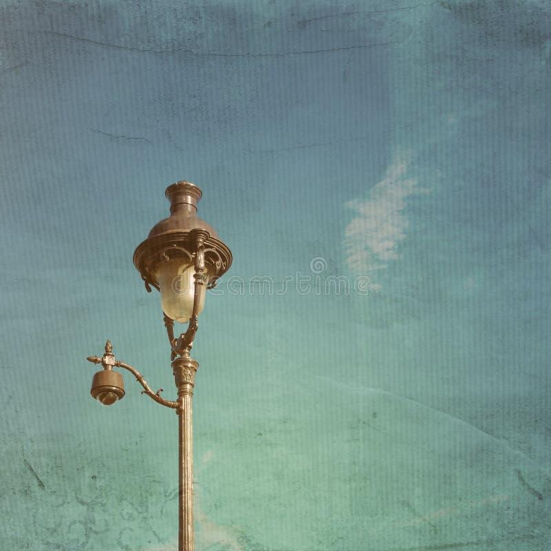 古色古香的lampstand在巴黎,法国欧洲 库存照片