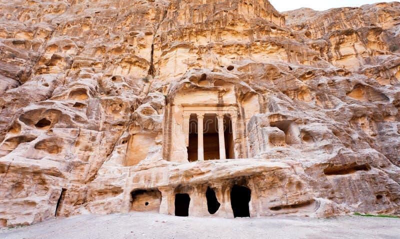 古色古香矮小的个nabatean petra寺庙 库存照片