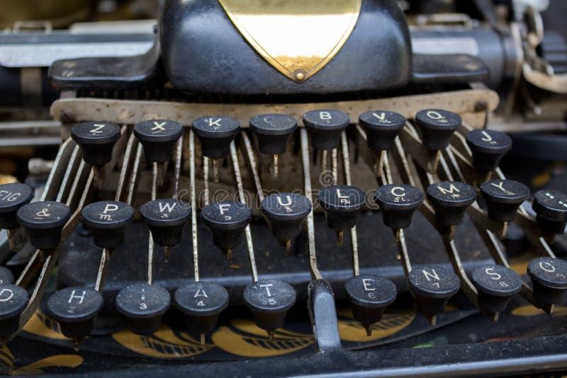 古董店,打字机 免版税库存图片