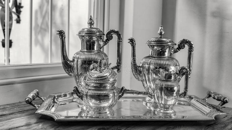 古董集合银色茶 免版税库存照片