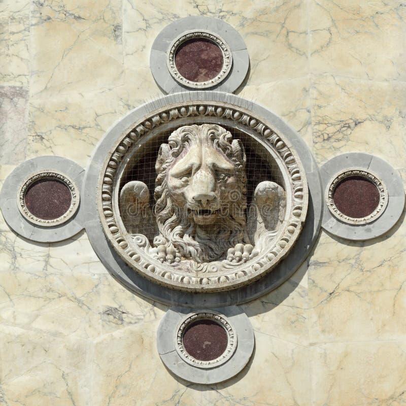 古董飞过的狮子装饰 库存照片